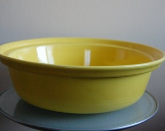 Large Vintage Los Angeles Potteries 1971 Vintage / Modern Yellow Serving Bowl