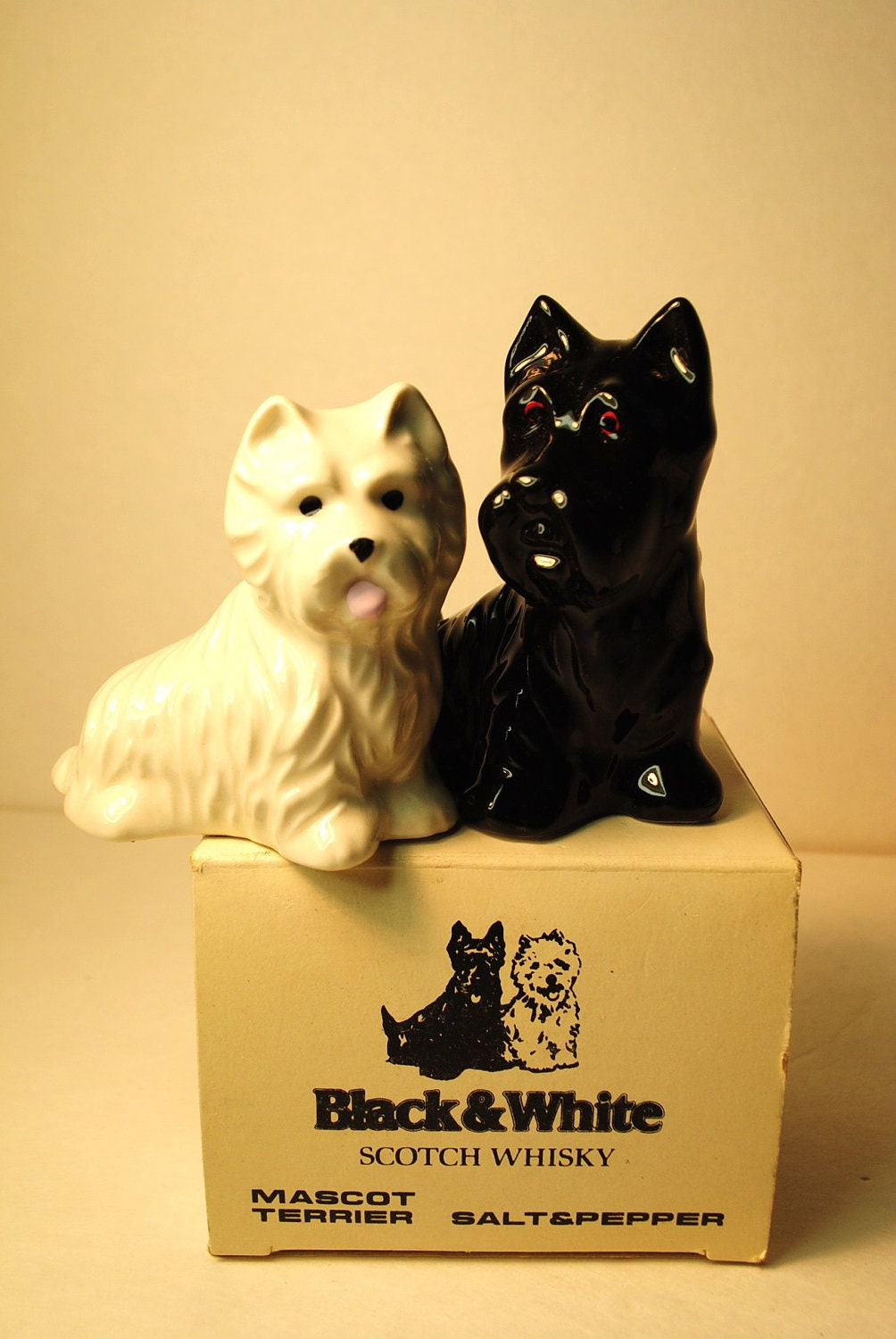 Salt And Pepper Black And White Scotch Whiskey Dog Shakers