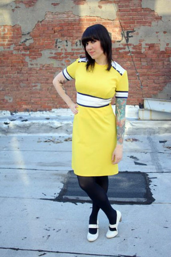 1960s Yellow Mod Dress with Adorable Navy and White Detailing, size M to L
