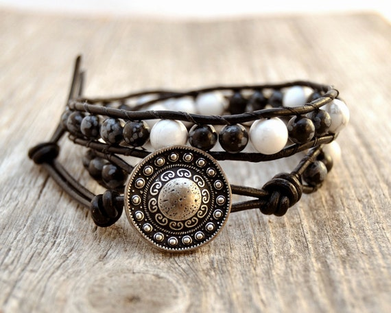 Double wrap beaded leather bracelet. Black and white. Bohemian chic jewelry