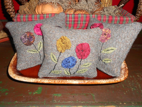 Flower Pillow -  YoYo Flower Pillow - Flower Ornie Pillow - Wool Pillow