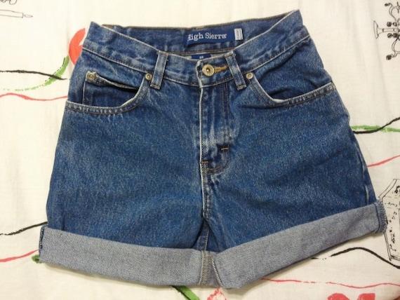 High waisted shorts: High sierra