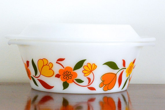 Arcopal: 1.5L casserole/baking dish with orange and yellow flowers