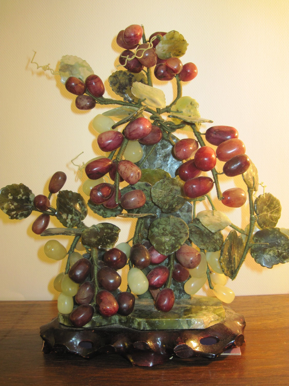Vintage Jade Agate Alabaster Grape Bonsai Tree