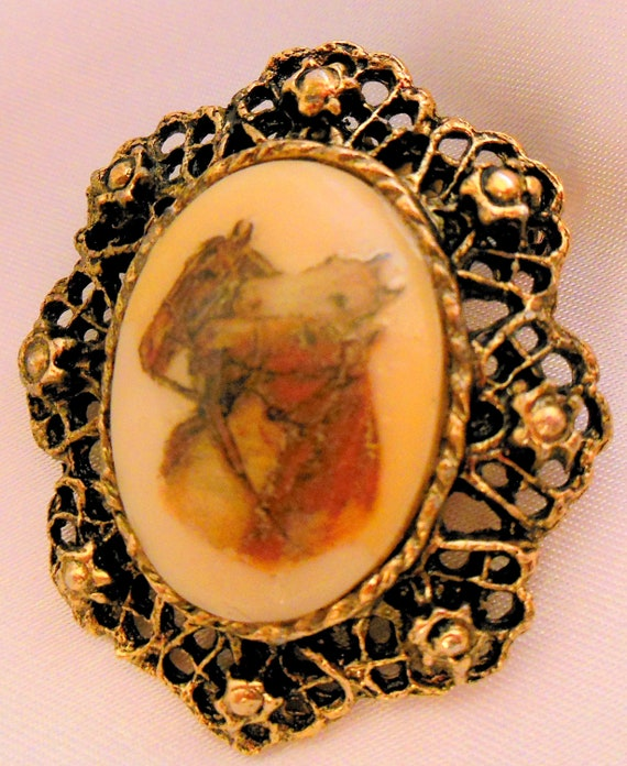 VIntage Horse Brooch Transfer on Porcelaine