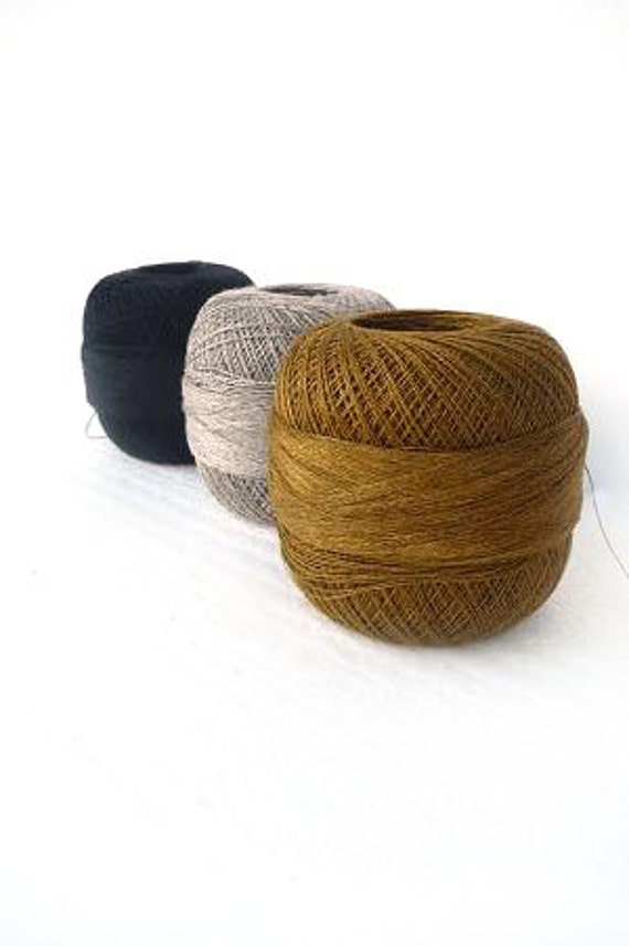 300gr/10,5 oz of organic Linen yarn, 2ply linen yarn, linen thread, black, gold