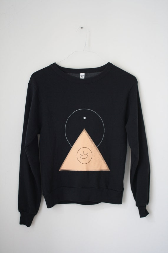 s / THE PYRAMID.EYE  N.1  /  new age drop shoulder sweater /  black . peach