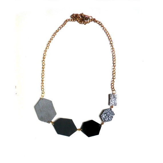 Monochrome leather necklace in grey, black and silver diamond shapes