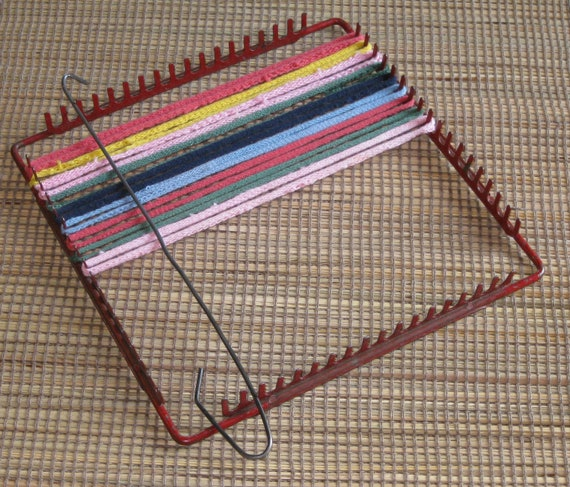 SALE Vintage 50's Metal Potholder Weaving Loom