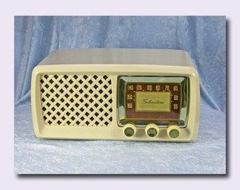 Silvertone AM Tube Radio c. 1953