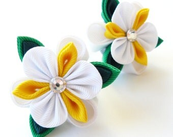 Kanzashi fabric flowers. Set of 2 ponytails . White, yellow and green.