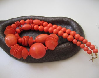 Vintage Necklace - Orange Wood beads Chunky Statement necklace