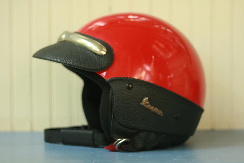 vintage scooter vespa helmet in red size 55. Black Bedroom Furniture Sets. Home Design Ideas