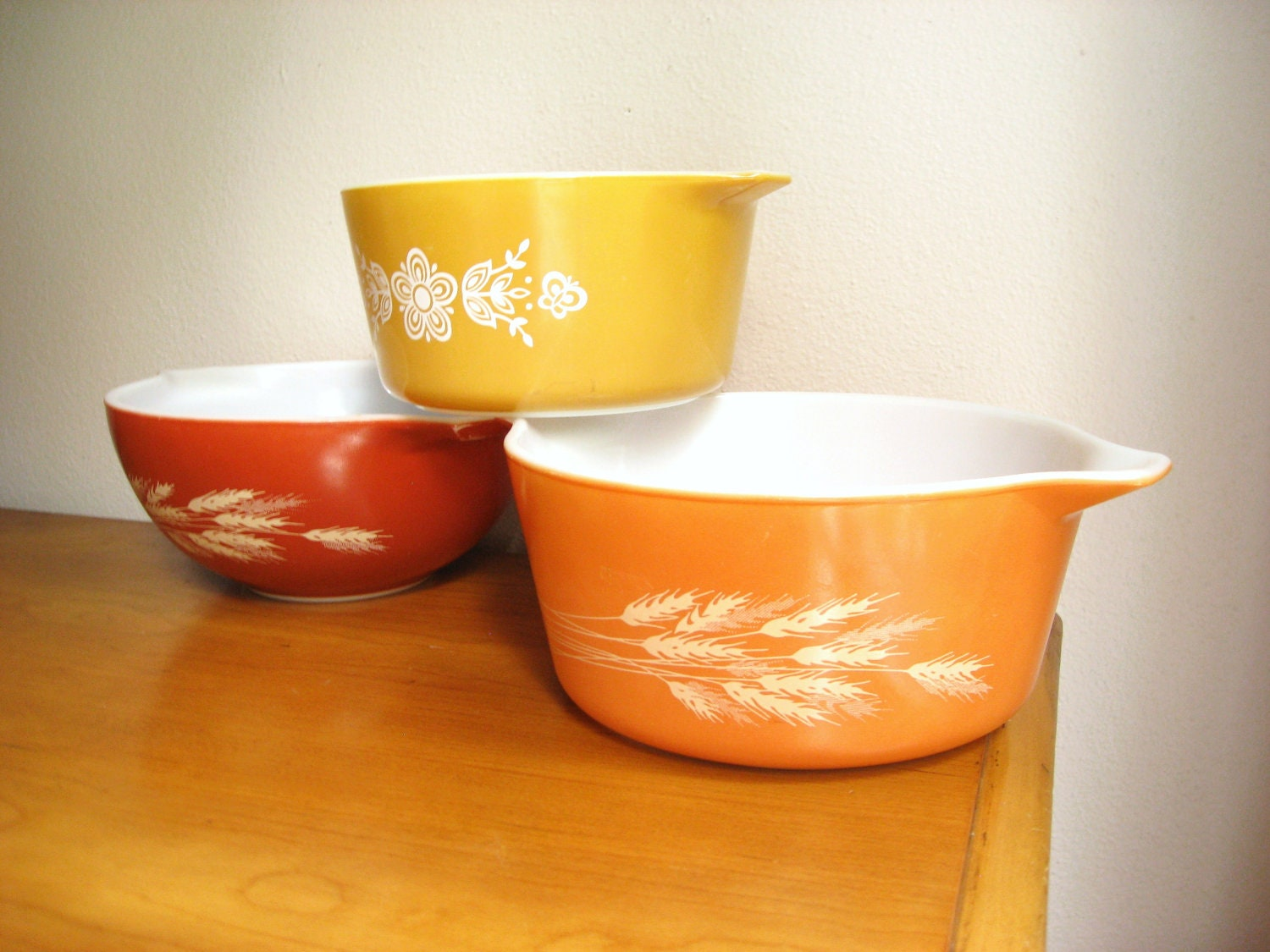 vintage pyrex casserole dishes autumn color collection. Black Bedroom Furniture Sets. Home Design Ideas