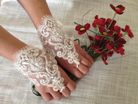 Lace Wedding Gloves, Lace Bridal Gloves, Ivory Lace Gloves, Bridal Lace, Bridal lace Cuff