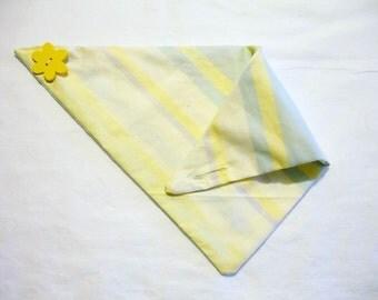 """Yellow Flower Button-Fastened 14"""" Pet Bandana"""