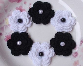 6 Crochet Flowers With Pearls In White And Black  YH-011-15