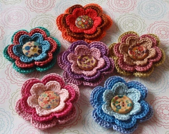 6 Crochet Flowers With Wood Button YH-086-02
