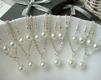 Set of 6 Bridesmaid Jewelry , White Pearl Necklace and Earring Sets, Bridesmaid Gift Set