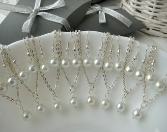 Set of 8 Bridesmaid Jewelry , White Pearl Necklace and Earring Sets, Bridesmaid Gift Set, Pearl Bridesmaid Sets
