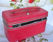 Vintage MOD 60's Samsonite Hot Pink Train Case Suitcase Luggage with Key Tray & Mirror