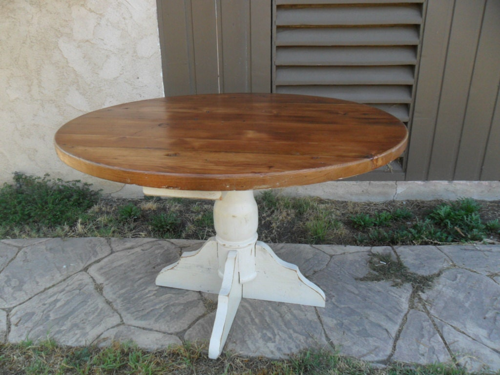 reclaimed wood pine round dining table usa made. Black Bedroom Furniture Sets. Home Design Ideas