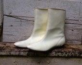 White mod go-go boots size 7.5