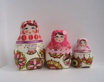 "A Set of  cloth Matryoshkas (Russian babushka dolls) ""Pink Circles"""