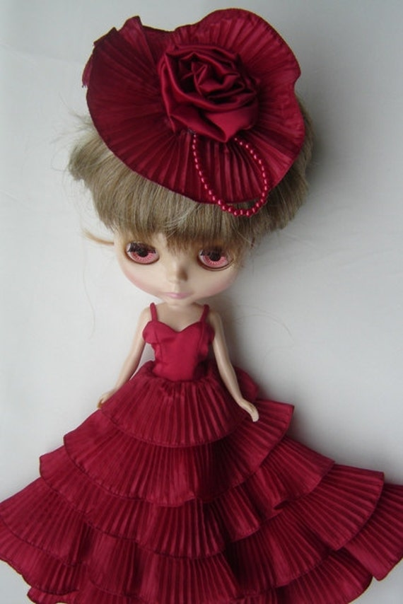 Evening red dress style for  beautiful Blythe