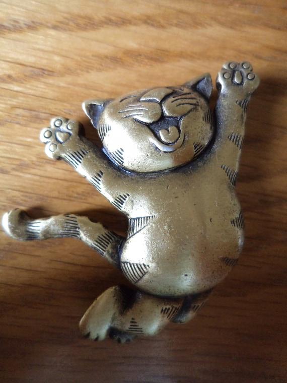 Vintage Signed JJ Brooch/Pin Bronze pewter Jump for Joy Cat