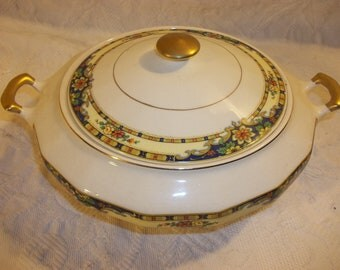 Vintage Edward Knowles Ivory Covered Vegetable Dish, Lidded Bowl, Casserole Dish.