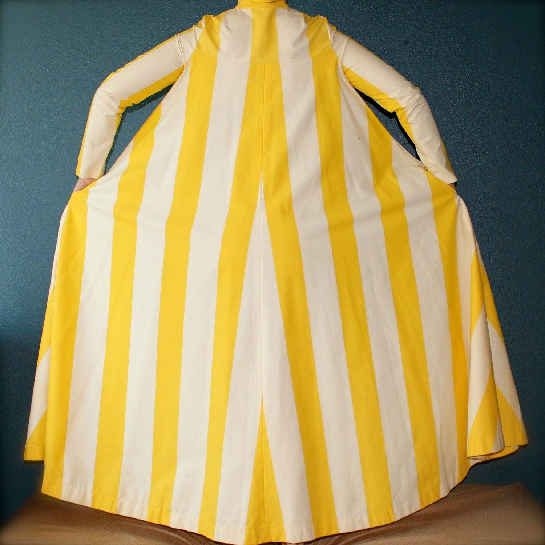 astronaut 1970s yellow tent - photo #2