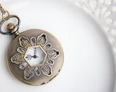 Pocket Watch, Pocketwatch Antique Brass Floral Victorian Style, Vintage Look Clock, Necklace Pocketwatch, Working Watch (PW01)