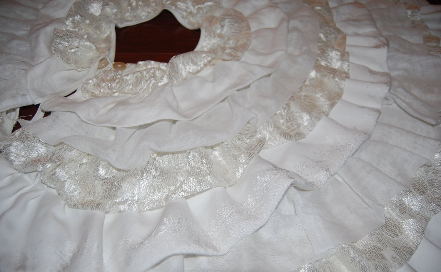Tree skirt christmas elegant vintage lace ruffle by