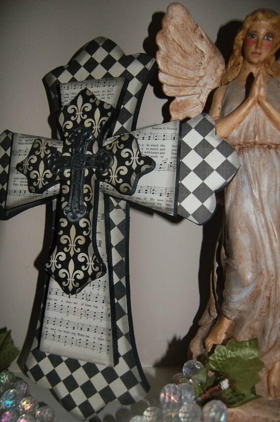 4 tiered Black & White Stunning Cross