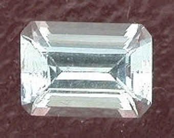 7x5 light blue aquamarine emerald cut gemstone gem