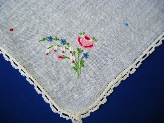 vintage embroidered handkerchief floral motif hand crocheted lace trim edging estate collection linen cotton hanky womens