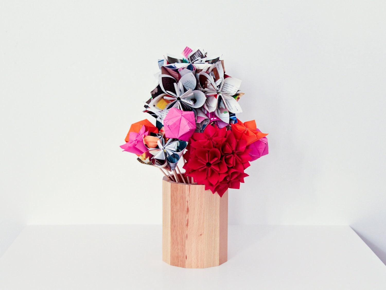 bouquet de fleurs en pliages origami en papiers color s et son. Black Bedroom Furniture Sets. Home Design Ideas