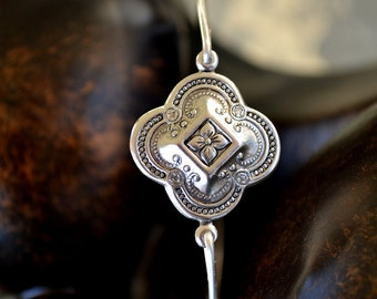 BIG SALE-Clover Bangle,Minimalist Bangle, Handmade Bangle Bracelet Silver Jewelry .Bridesmaids Gifts,# 210 -