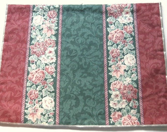 Set of 4 Reversible Christmas Floral Placemats