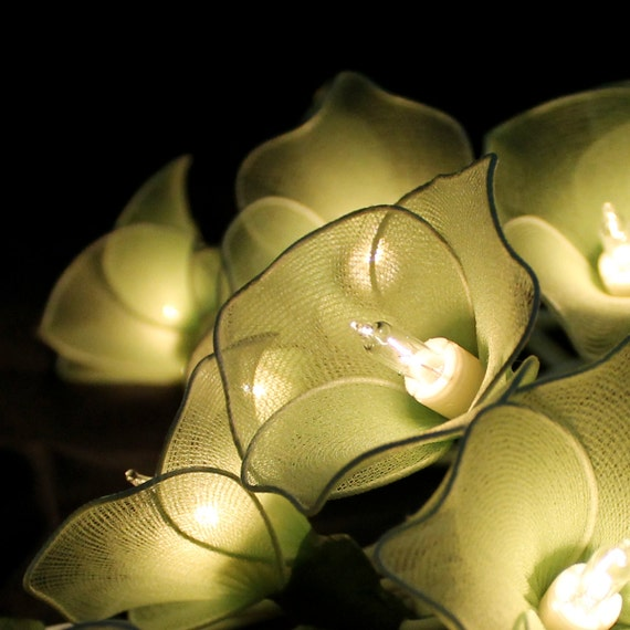 Green Flower String Lights : Items similar to 20 PaleGreen Flowers String Lights on Etsy