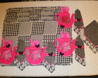 Black & White Woven Placemat With Pink Teapot Silverware Holder Set