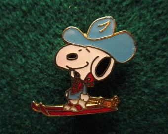 Snoopy Cloisonne Brooch.