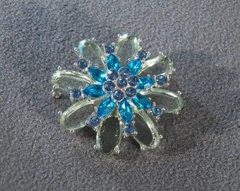 Vintage Silver Tone Muti Oval Round Shades Green Blue Rhinestone Flower Pin Brooch