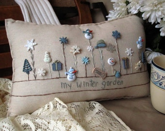My Winter Garden Pillow (Cottage Style)