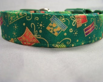 Christmas Presents on Green Dog Collar