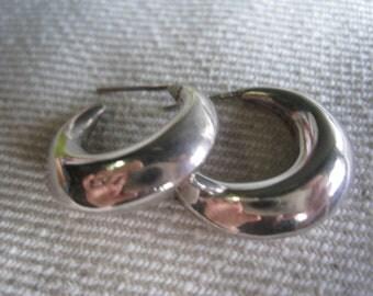 Vintage Sterling Silver Balinese Hoops