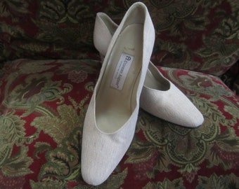 Vintage Etienne Aigner Fabric And Leather Heels  Made In Spain Womens Size 9
