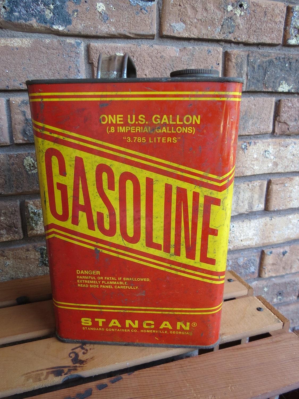 Vintage 1 Gallon Metal Gas Can