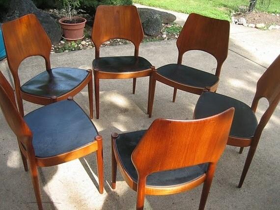 Danish Modern Hovmand Olsen Teak Dining Chair by MK 4 avail : il570xN395979462odsy from www.etsy.com size 570 x 428 jpeg 85kB